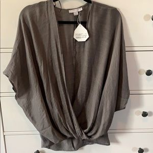 💥💥 3/$20 NWT Cross Front Blouse